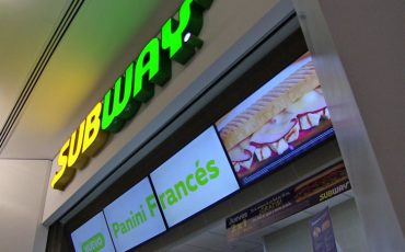 Subway-con-Digital-Menu-Boards-de-Panasonic