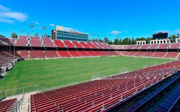 Campo-de-futbol-de-la-universidad-de-Stanford-con-equipo-Meyer-Sound